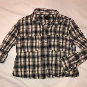 M FOREVER 21 CROP FLANNEL BUTTON-DOWN